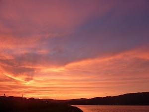 北上川に沈む夕日