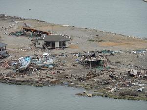 震災後の宮城県石巻市の旧北上川河口の中洲。地元では中瀬と呼ばれ、多くの人々が集う憩いの場であった。