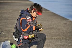 TALEX偏光グラスを着用すれば晴天下における日中も雑光を防いでくれるので、細かい作業も楽々。