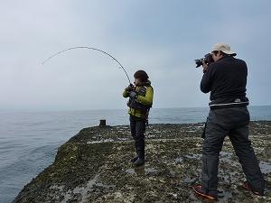 バンバン釣れたので、撮影するカメラマンさんも忙しくて大変です。