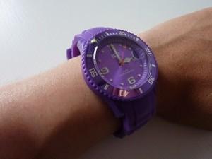 紫色のアイスウォッチ