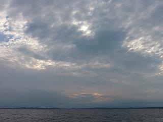 秋の海と秋の空。