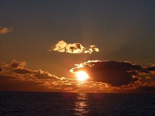 冬の澄んだ朝焼け。今日もまた新しい一日がはじまります。