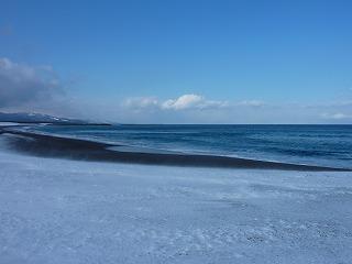 この海の向こうに北の大地を控える。